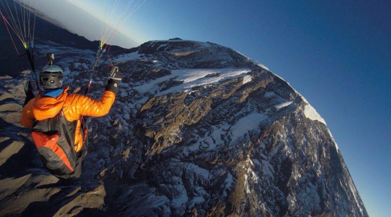 Kilimanjaro Paragliding, Julian in der Luft
