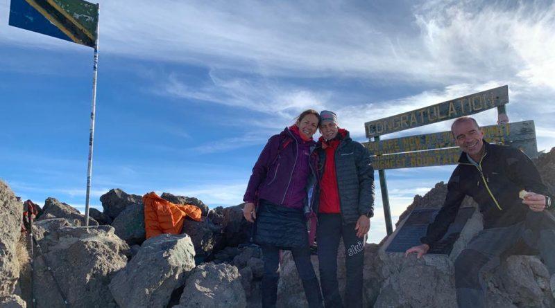 Mount Meru Summit mit 3 erfolgreichen Besteigern