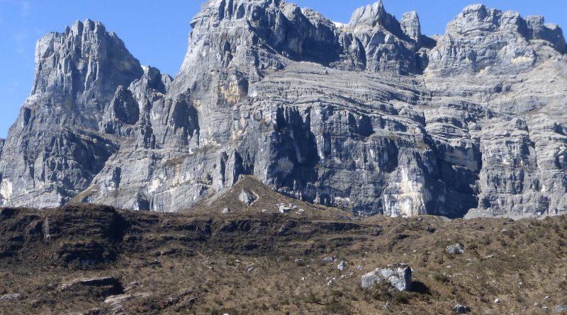 Carstensz Pyramide Rockfaces