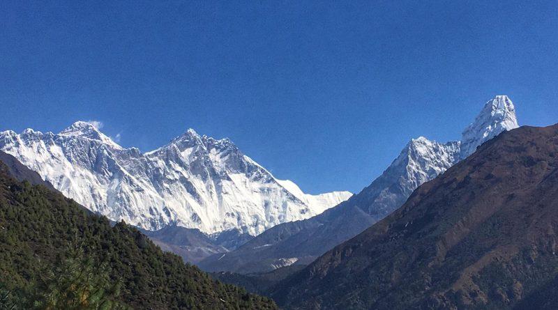 Mount Everest, Lhotse, Nuptse und Ama Dablam: die klassische Ansicht.