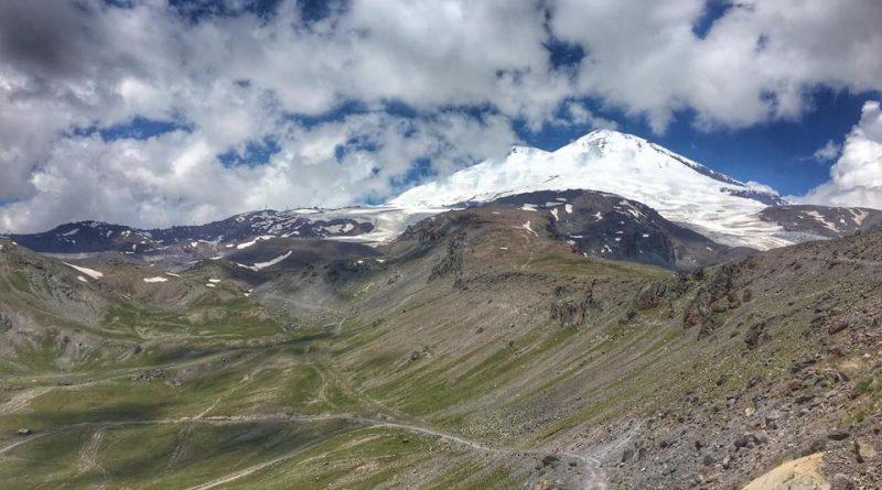 Elbrus, der Berg, West- und Ostgipfel