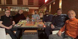Team, Essen, Kathmandu