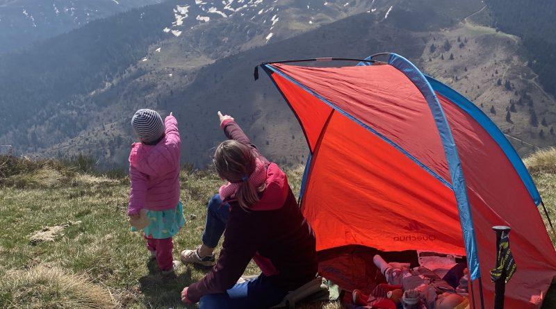 Berge, Zelt, Familie - Ostern in den Pyrenäen