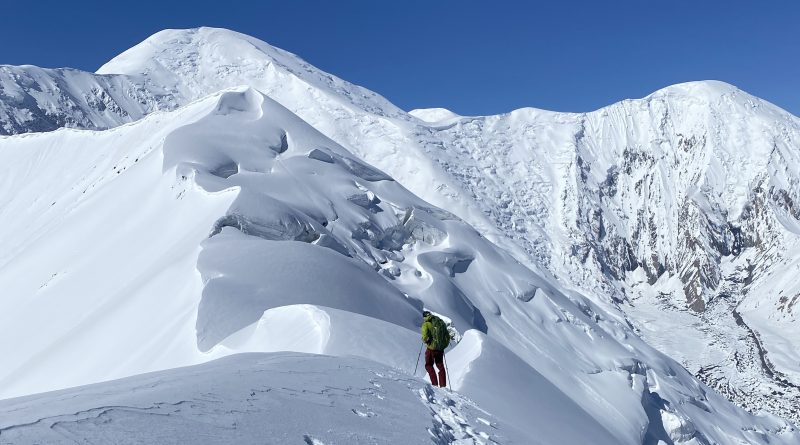 Lenin Peak 2021 Mountaineer on the Royal Traverse Route