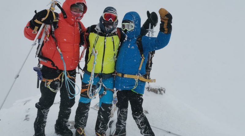 Elbrus Summit & Mountaineers