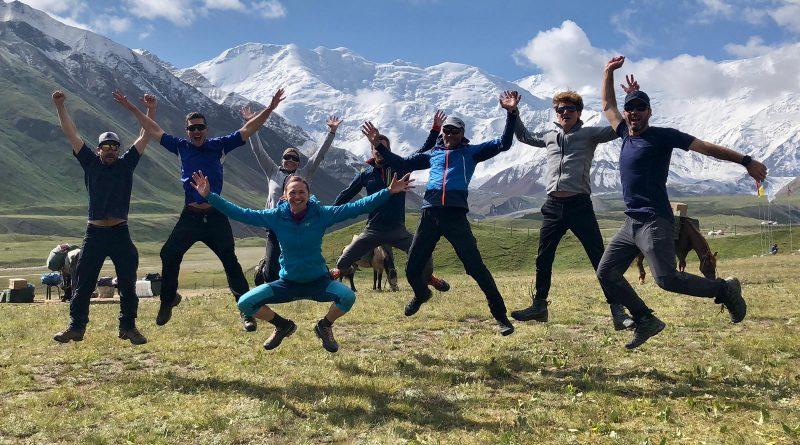 Lenin Peak, Happy Team